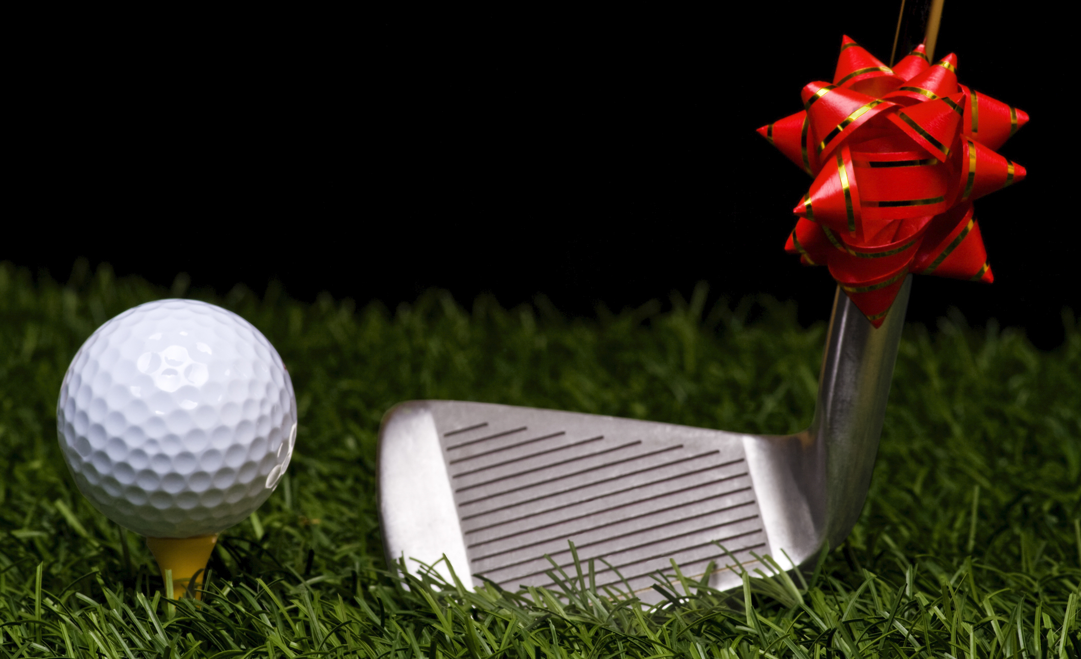Five Great Gift Ideas For The Golf Lover In Your Family